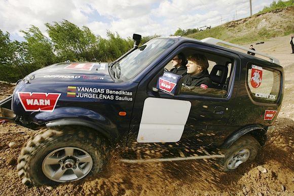"""Specialiai varžyboms buvo paruoštas sportinis """"Suzuki Jimny"""" visureigis"""