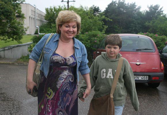Edita Mildažytė su sūnumi.
