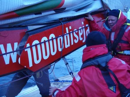 """Prie Danijos krantų – rimtas jachtos """"Ambersail"""" gedimas."""