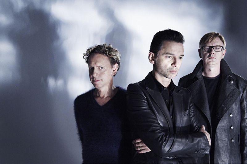 """Foto naujienai: """"Depeche Mode"""" atšaukė aštuonis koncertus Rytų Europoje"""