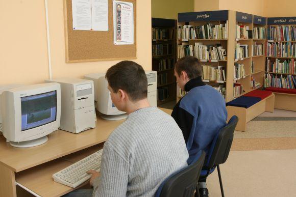 Lietuvos miestų bibliotekose nuo ketvirtadienio atidaromos viešos interneto prieigos.
