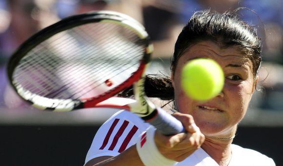 Turnyro favoritė rusė  Dinara Safina 7-5, 6-3 nugalėjo ispanę Lourdes Dominguez Lino