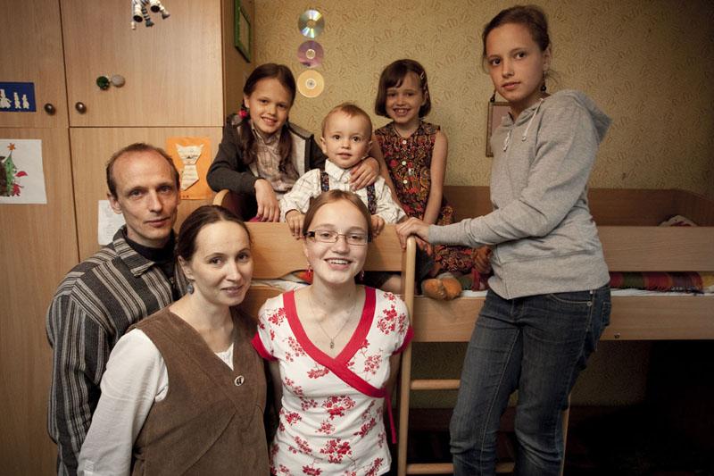"""Foto naujienai: Mokytoja Eglė Venslovaitė-Šiliūnienė: """"Vis dar mokausi būti mama"""""""