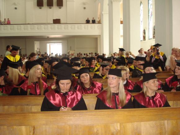 Daugelis studentų abejoja, ar rinksis dar aukštesnes studijas.