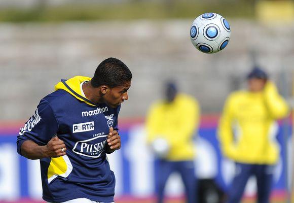 """Su """"Manchester United"""" klubu ekvadorietis sudarė 4 metų kontraktą."""