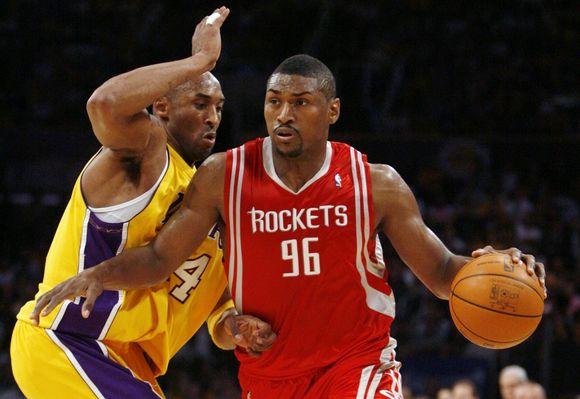 """R.Artestas vilkės """"Lakers"""" aprangą"""