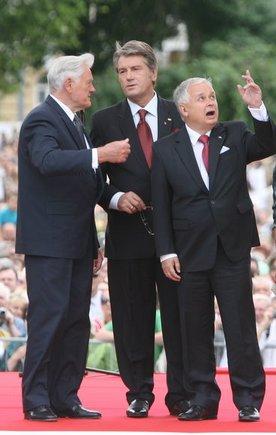 Juliaus Kalinsko/15min.lt nuotr./Trys prezidentai:  Valdas Adamkus, Viktoras Juščenka, Lechas Kaczynskis