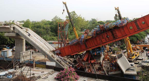 Delyje sugriuvo dalis metropoliteno