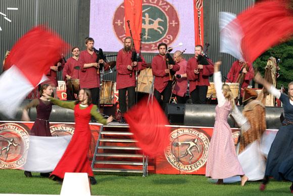 Lietuvos tūkstantmečiui dedikuotas čempionato atidarymas vyko viduramžių dvasioje.