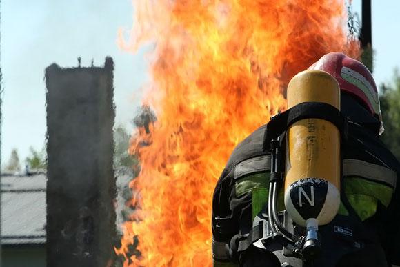 Ugniagesys gaisre