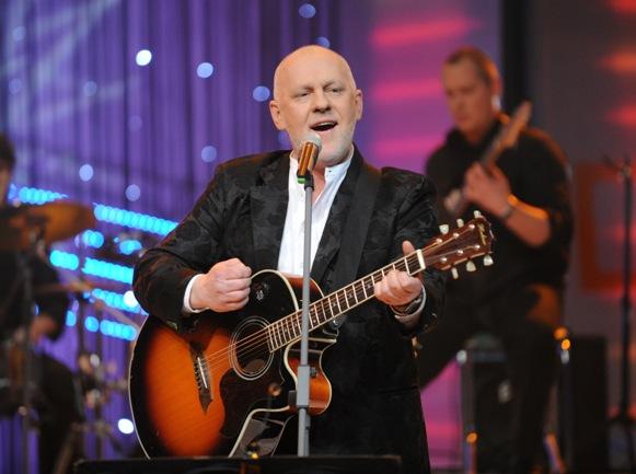 Kompozitorius ir atlikėjas O.Vyšniauskas, dainuojantis jau 25 metus, rytoj Palangos vasaros estradoje surengs gyvo garso koncertą.