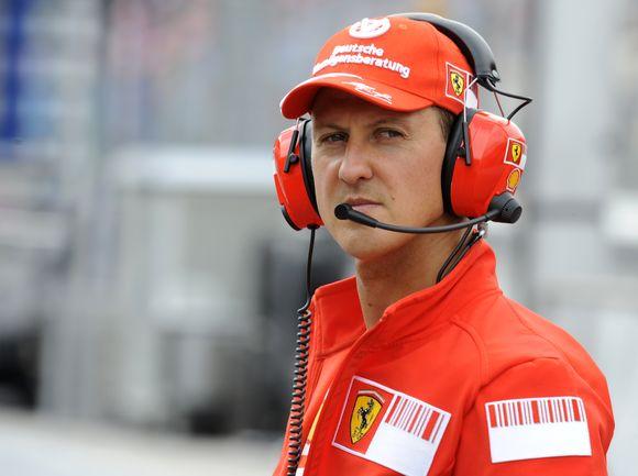 """Šiemet itin pasikeitusią """"Formulės-1"""" techniką - naująjį """"Ferrari F60"""" - M.Schumacheris galės išbandyti tik savo sugrįžimo į lenktynes dieną"""
