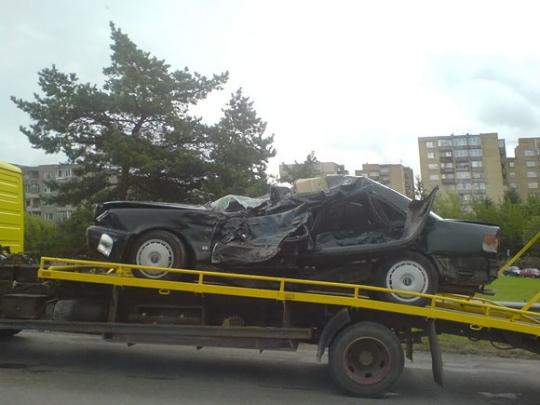 """Automobilis """"Audi"""" po avarijos Utenoje"""