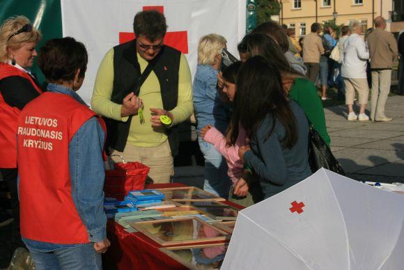 Raudonasis kryžius skleidė naudingą informaciją apie ŽIV ir AIDS.
