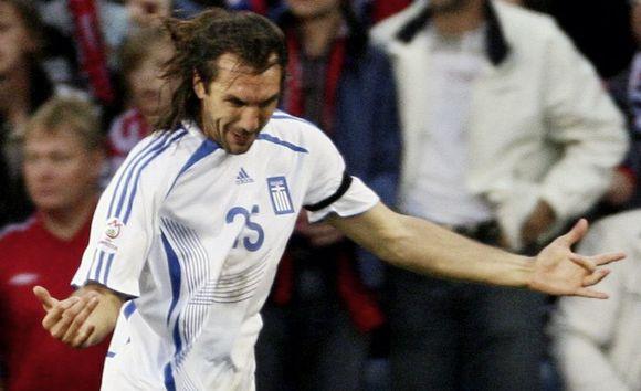"""Graikijos rinktinės gynėjas S.Kyrgiakosas per savo karjerą yra žaidęs Atėnų """"Panathinaikos"""", AEK (abu Graikija), Glazgo """"Rangers"""" (Škotija) ir Frankfurto """"Eintracht"""" (Vokietija) klubuose"""