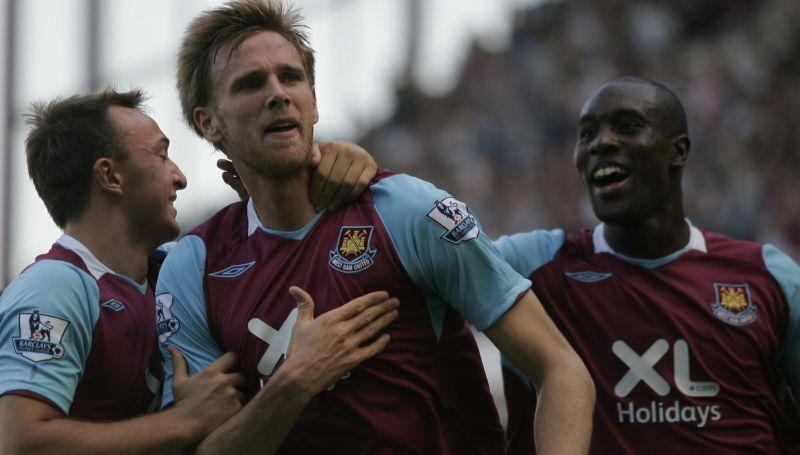 """C.Davenportas į """"West Ham"""" klubą už 3 mln. svarų sterlingų iš Londono """"Tottenham"""" ekipos persikėlė 2007 metų vasarą."""