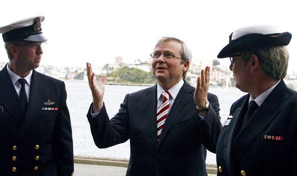 Kevino Ruddo (centre) partiją sukrėtė sekso skandalas