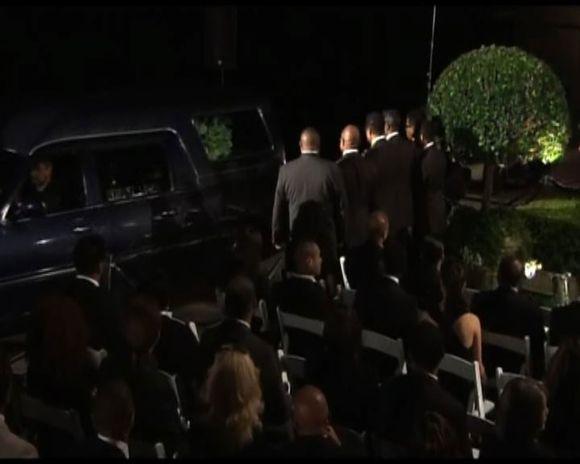Vyksta M.Jacksono laidotuvės