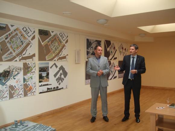 """""""Memelio miesto"""" atstovai D.Anužis (k.) ir M.Žilinskas pristatė projektinius pasiūlymus."""