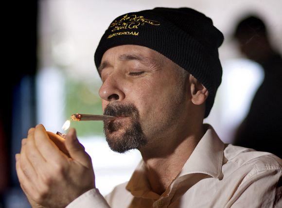 Marihuanos turistai Amsterdame tuoj nebegalės rūkyti