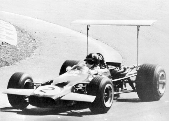 """""""Lotus"""" komanda """"Formulės-1"""" čempionatuose varžėsi nuo 1958 iki 1994 metų"""