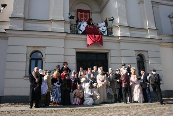Klaipėdos dramos teatras kreipėsi paramos miestelėnų.