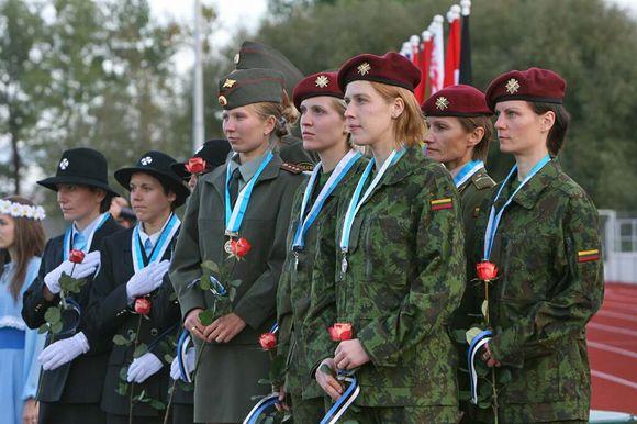 Lietuvos atstovės sidabro medalį iškovojo komandinėse moterų varžybos