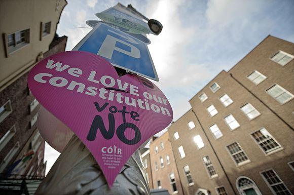 Reklaminis plakatas, kviečiantis balsuoti prieš Lisabonos sutartį.