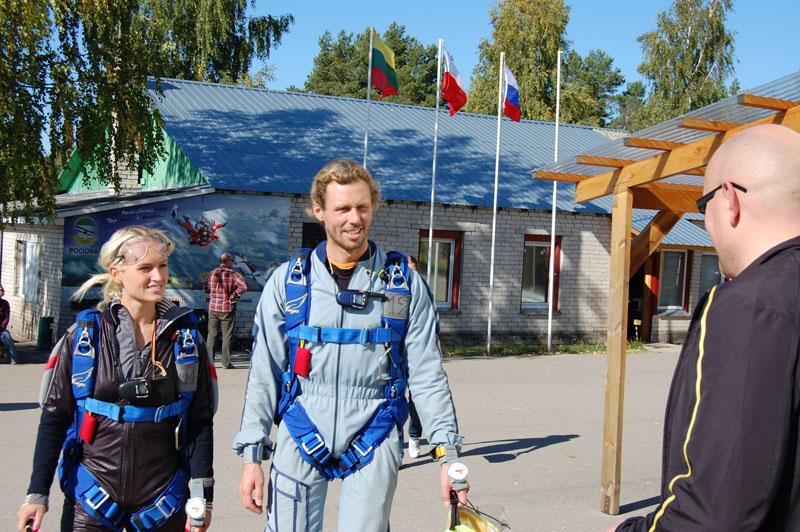 Foto naujienai: Linas Karalius ir Gintarė Gurevičiūtė skraido padebesiais