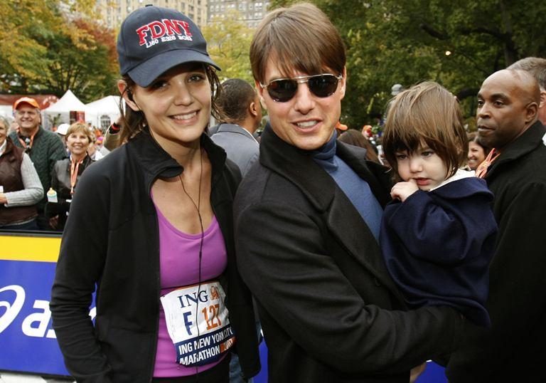 Katie Holmes ir Tomas Cruise'as su dukrele Suri.