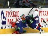 """Juliaus Kalinsko/""""15 minučių"""" nuotr./Pirmą kartą Lietuvoje surengtos Kontinentinės ledo ritulio lygos (KHL) rungtynės tarp Sankt Peterburgo SKA ir Kazanės """"Ak Bars"""" klubų."""