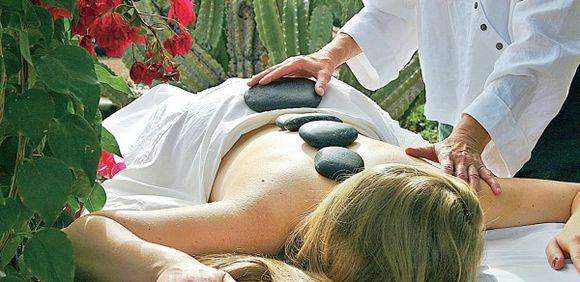 Akmenų terapija (masažas įkaitintais akmenimis) taikoma ir Lietuvoje.
