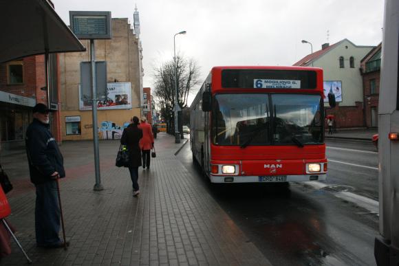 Klaipėdiečiai skundžiasi vėluojančiu 6 maršruto autobusu.