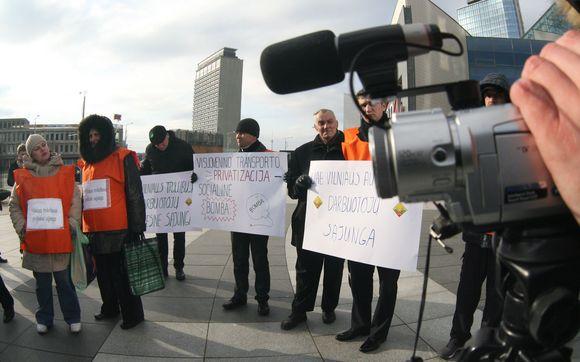 Piketuotojai buvo nusiteikę prieš valdžios planus privatizuoti miestui priklausančias įmones.