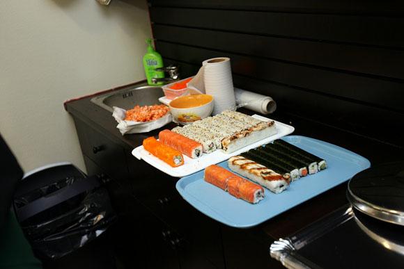 Kaune duris atvėrė naujas greito maisto restoranas prekiaujantis sušiais