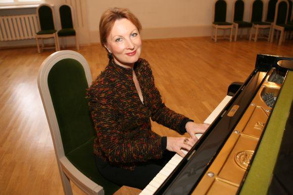 M.Rubackytė prisipažįsta, kad groti scenoje su kitais muzikais jai yra didžiulė laimė.