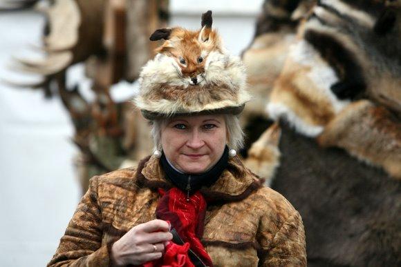 Vilniaus rotušės aikštėje medžiotojai minėjo savo globėjo Šv. Huberto dieną.