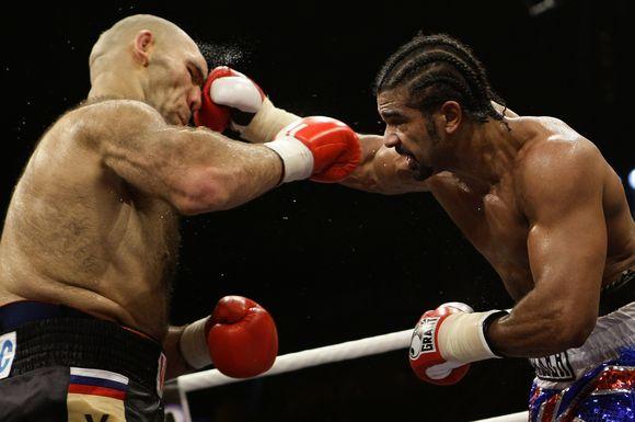 Naujuoju pasaulio sunkaus svorio bokso čempionu pagal WBA versiją tapęs britas D.Haye už rusą N.Valujevą šeštadienį Vokietijoje vykusioje dvikovoje buvo nepalyginamai vikresnis ir varžovą nugalėjo taškais
