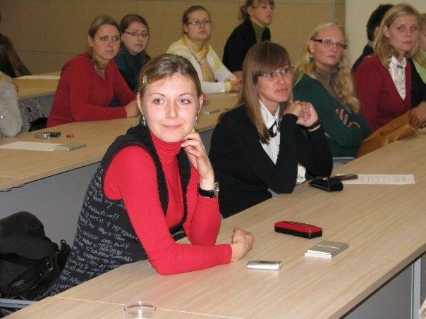 Studentai rinksis į viešą paskaitą.