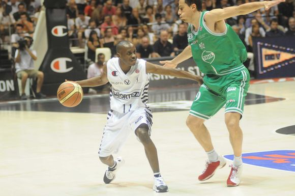 E.Boykinsas praėjusį sezoną žaidė italų Bolonijos ekipoje