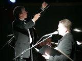 Vladimiras Konstantinovas su čekų muzikantais muziką kartu kūrė internetu.