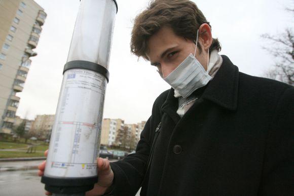 Vilniaus autobusuose ir troleibusuose tik pavieniai suaugę žmonės ir moksleiviai dėvi apsaugos respiratorius.