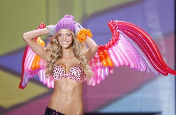 AFP/Scanpix nuotr./Victoria's Secret modelis Erin Heatherton