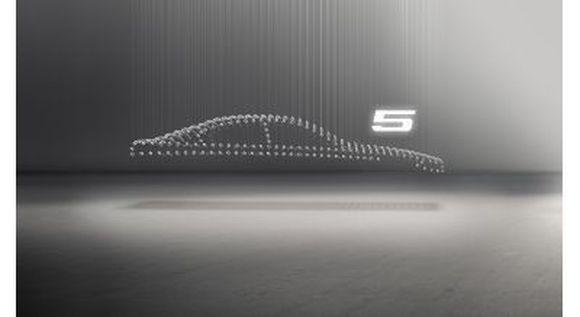 Pasaulį išvys naujas BMW 5 serijos sedanas.