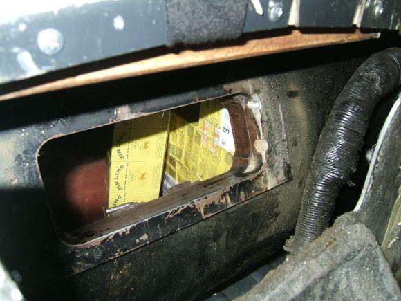 Cigaretes kaliningradietė slėpė dujų balione.