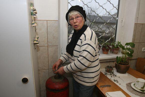 """E.Bikantienė nesikreipė į dujų baliono gamintoją bendrovę """"Dujotra"""", nes kartą iš vieno jos darbuotojo vietoje pagalbos sulaukė lavinos keiksmažodžių."""