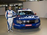 """Renault"" nuotr./Prie ""Duster"" – legendinis lenktynininkas A.Prostas"