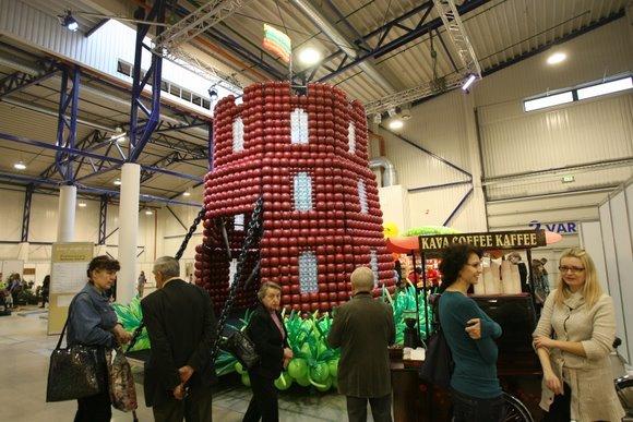 """Juliaus Kalinsko/""""15 minučių"""" nuotr./Iš balionų padaryta Gedimino pilis."""