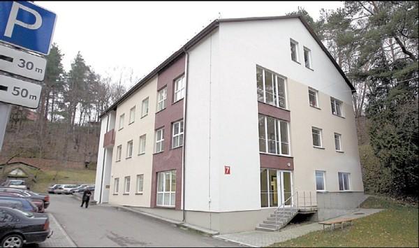 Manoma, kad sostinės valdžią vilioja renovuotas VPSRC pastatas, todėl ji tikisi, jog centras veiklą nutrauks ir išsikraustys.