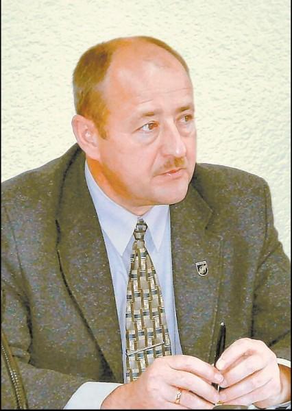 Buvęs savivaldybės administratorius V.Kazlas kratosi atsakomybės už vadinamąjį atliekų skandalą.
